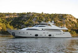 Custom Line 112 Next - Yacht for Sale