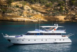 Ace Six Luxury Yacht for Charter