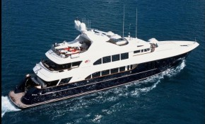 Cocktails Yacht Charter | Trinity Yachts