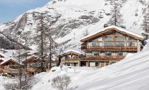Bluewater partners with First Class Winter Chalet group