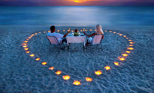 Romantic Getaways - Dining on the beach