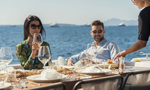 Blue & Beyond #15 - The Bluewater Guide To Superyacht Charter Food