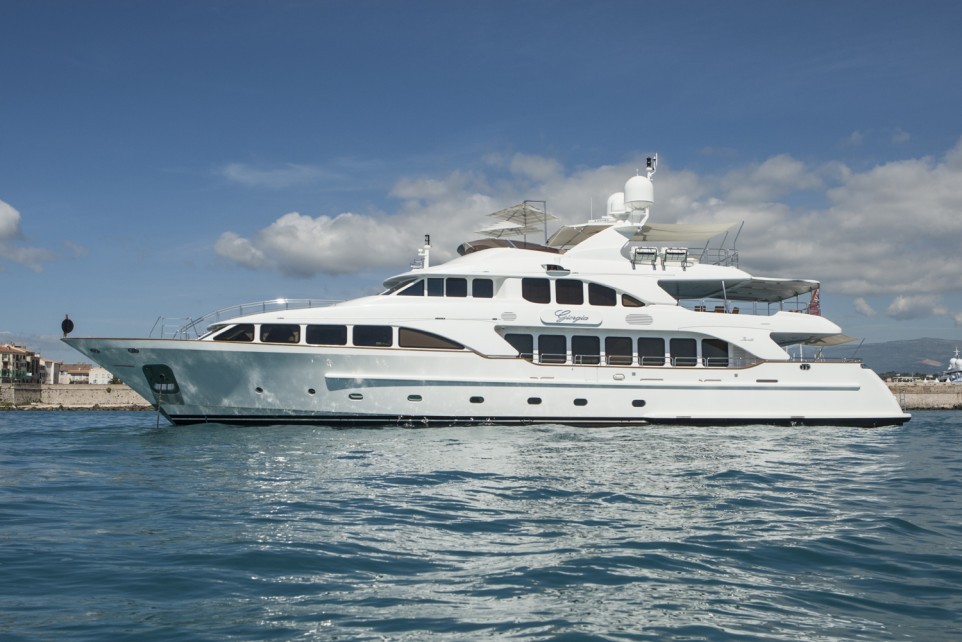 Top 5 Luxury Benetti Yachts You Can T Resist