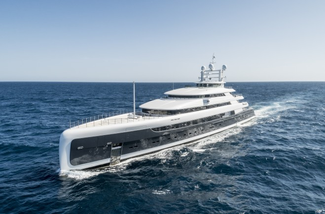 M/Y Illusion Plus | Pride Mega Yachts