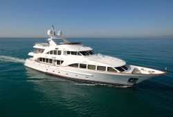 Elena Nueve Luxury Yacht for Charter