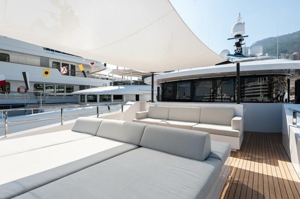 M Y Entourage Yacht 11