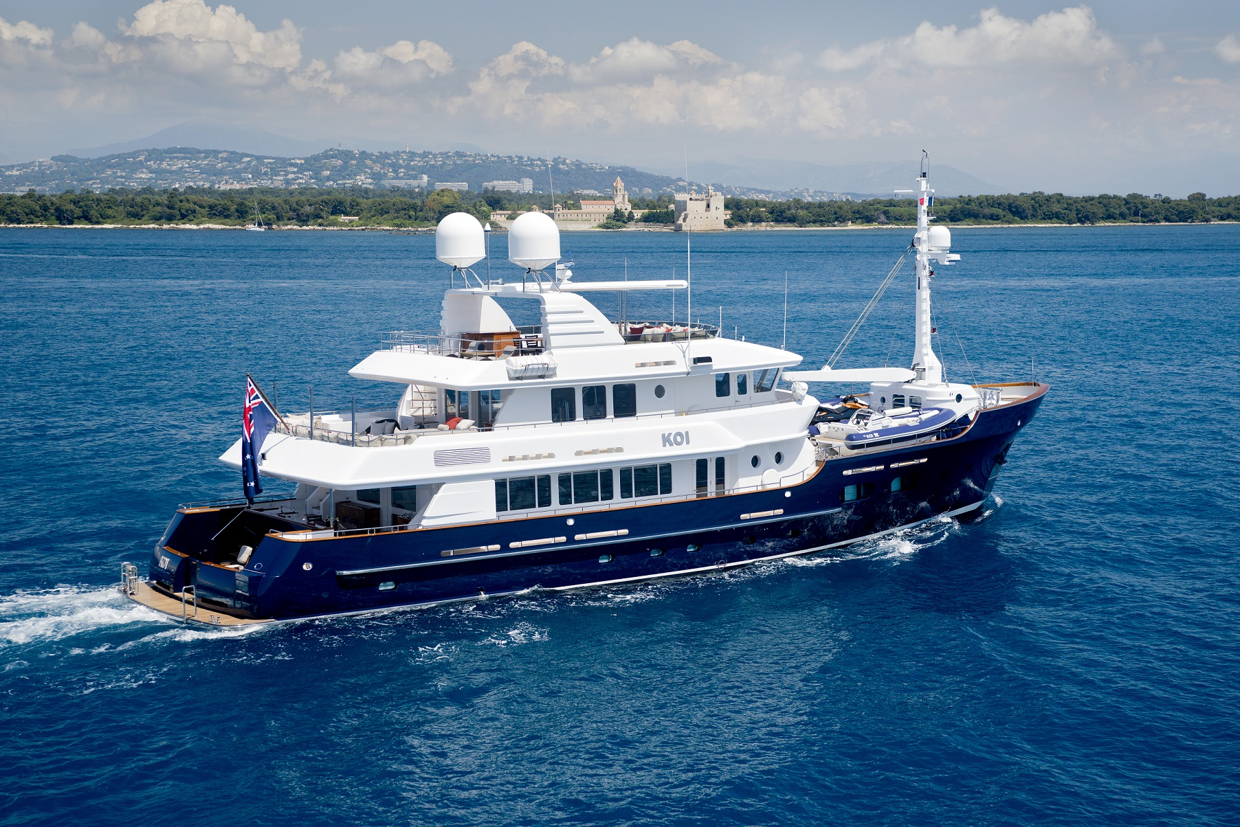Koi Yacht Charter - Mcmullen & Wing Luxury Yacht