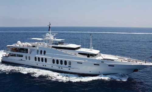 Bluewater extends a warm welcome to 55m M/Y OCEANA