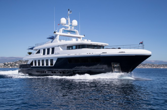 Bluewater Embraces The New Year And Extends A Warm Welcome To 42m M/Y CLICIA